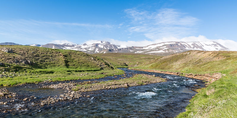 Icelandic scenery 2.jpg