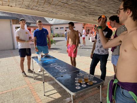 Pool Party - Montsabert