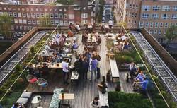 dit-zijn-de-leukste-rooftop-bars-van-amsterdam-6371