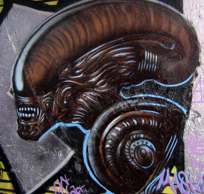 Alien_web
