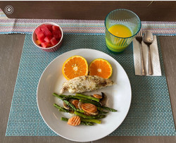 Fish with asparagus and carrots