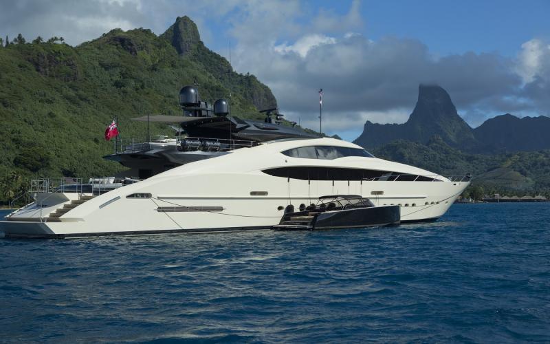 M/Y VANTAGE Charter South Pacific