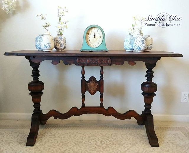 This AMAZING 😍 antique table went home