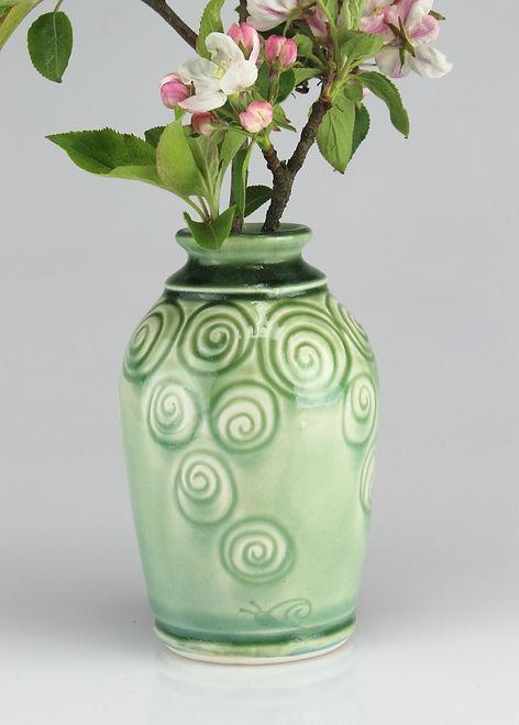 snailshell vase - porcelain -#V2004b.jpg