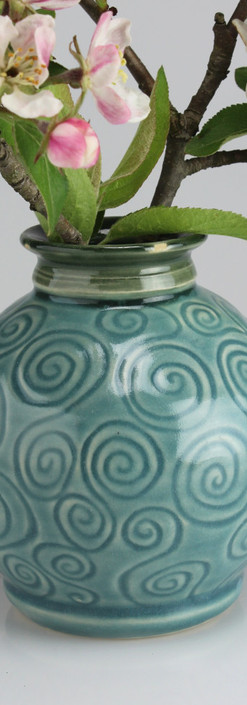 swirly bud vase