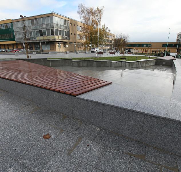 Obklad fontány, Fakulta IT VŠB - TU, Ostrava