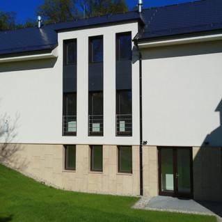 Vila Larisch, Petrovice u Karviné