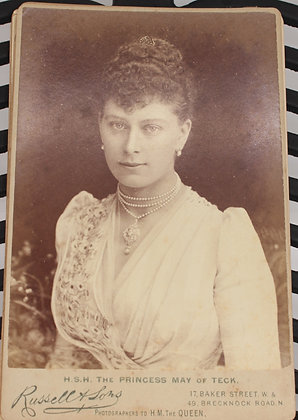 Individual cabinet card photographs.