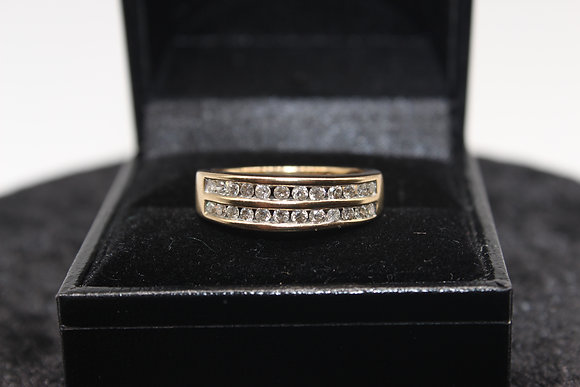 A 9ct gold 50 pts diamond ring, size S, weighing 3.7g