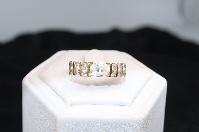 A 14ct gold ring, size P, weighing 3.3g