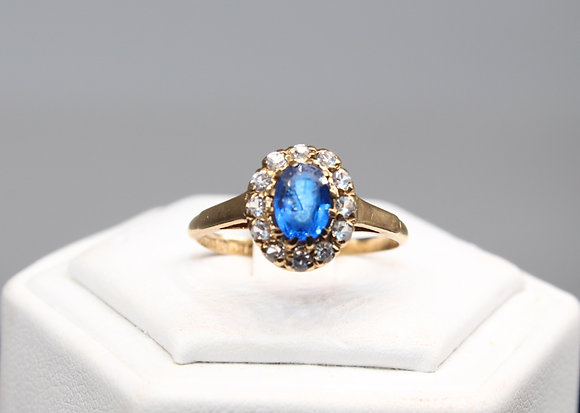 A 9ct gold ring, size Q, weighing 1.9g
