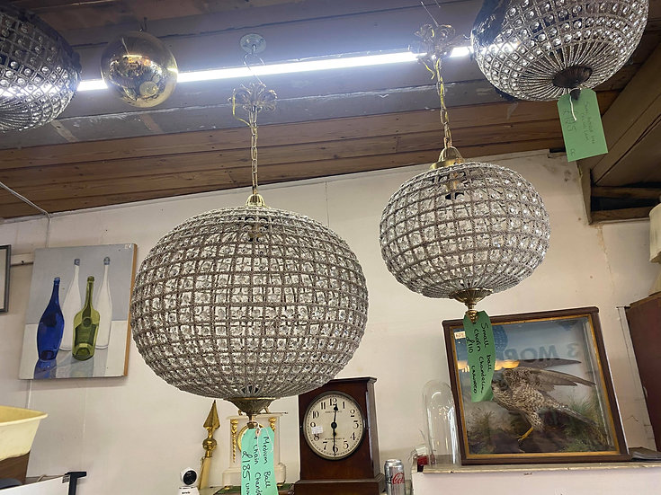 Ball & chain chandelier - Medium