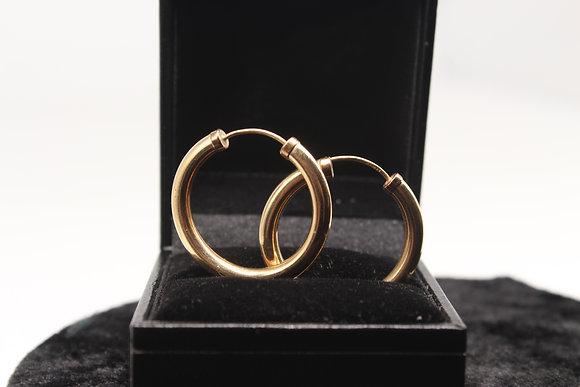 Pair of 9ct gold hoop earrings weighing 2.2g
