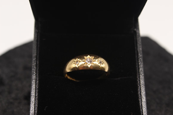 A 18ct gold diamond ring, size Q, weighing 3.2g
