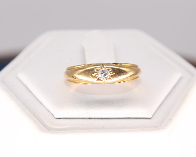 A 9ct gold & 10 PTS diamond ring, size L, weighing 3.7g