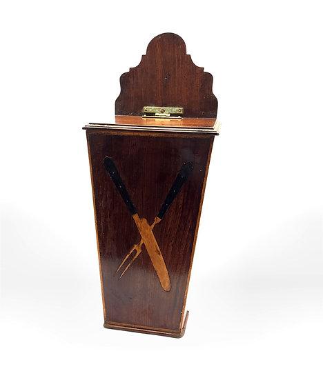 Georgian mahogany tapering cutlery box, inlaid in boxwood