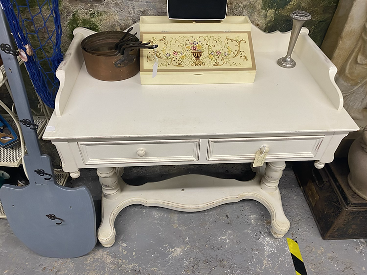 Distressed white/cream dressing table