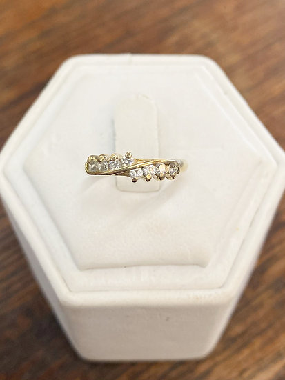 A 9ct gold ring, size J, weighing 1.8g