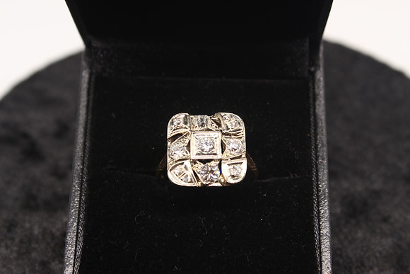 A 14ct gold & 60pts diamond ring, size M, weighing 2.9g