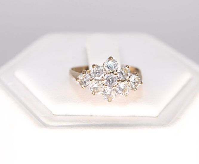 A 9ct gold & CZ ring, size L, weighing 1.7g