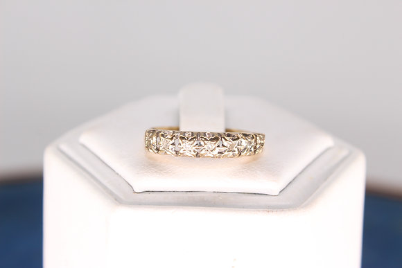 A 9ct gold & diamond ring, size M, weighing 1.9g