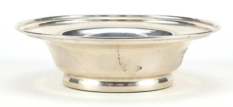 W I Broadway & Co, Elizabeth II circular silver bowl