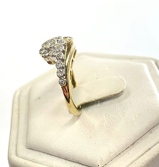A 9ct golf & 40 PTS diamond ring, size N