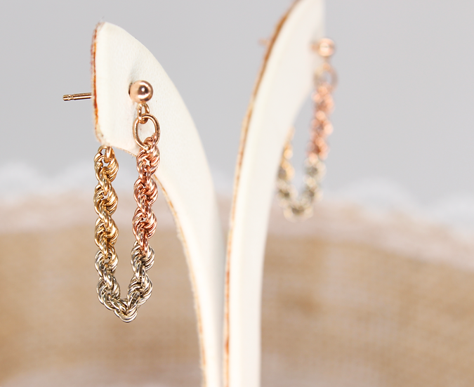 A pair of 9ct chained hooped earrings, weighing 1.3g, hallmarked.