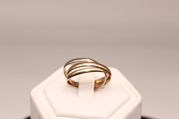 A 9ct gold trio of rings, size R, weighing 301g