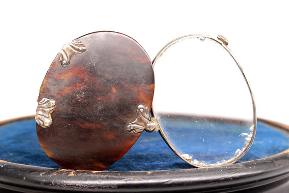 Georgian silver mounted tortoiseshell folding magnifying glass
