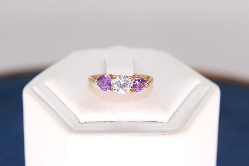 A 9ct gold & amethyst ring, size J, weighing 1.4g