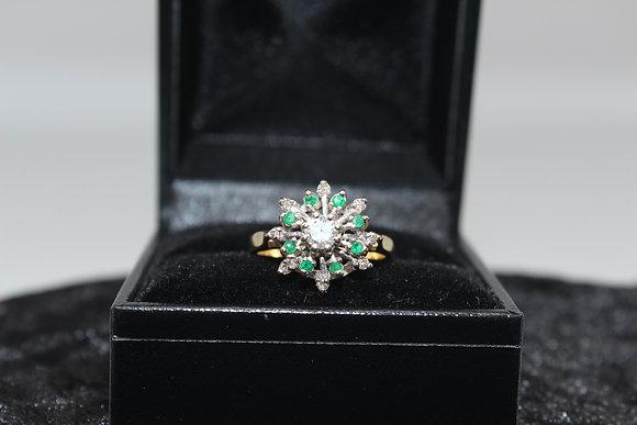 A 18ct gold diamond ring, size K, weighing 4.1g
