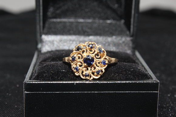 A 9ct gold ring, size R, weighing 2.4g