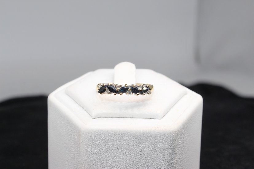 A 9ct gold and diamond ring, size P, weighing 1.9g