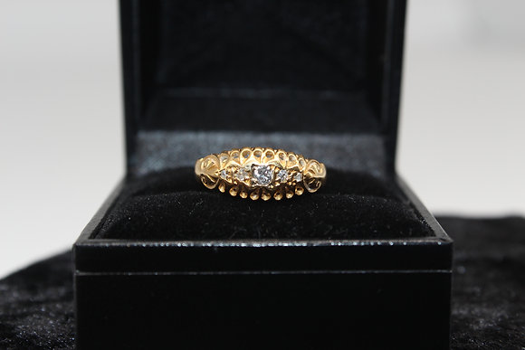 A 18ct gold diamond ring, size O, weighing 2.2g