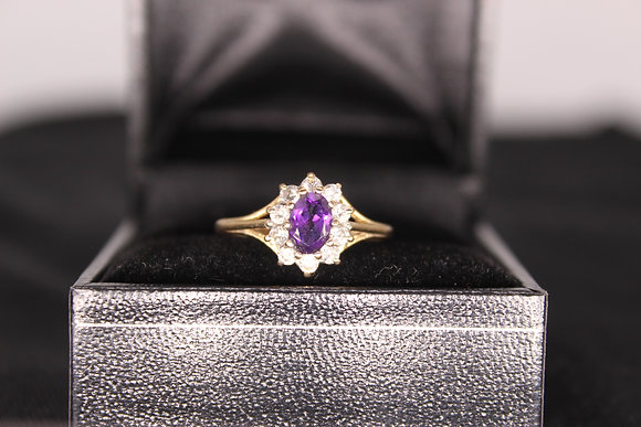A 9ct gold & amethyst ring, size M, weighing 1.7g