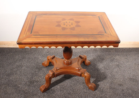Colonial lamp table
