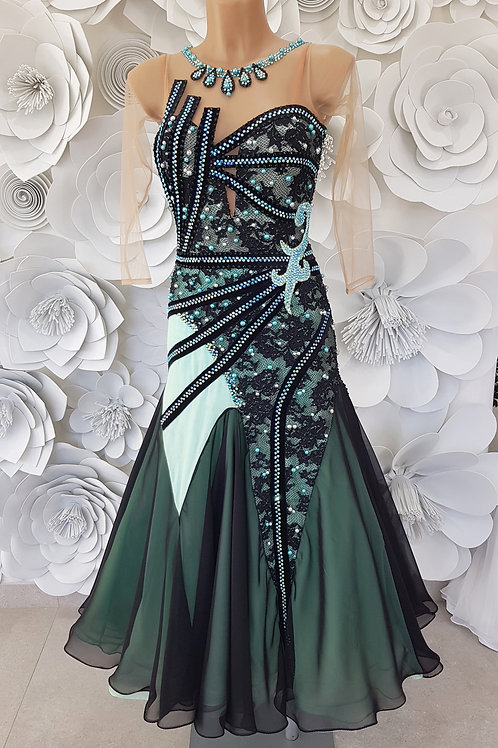 Ballroom Black Mint