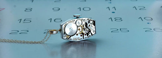 Bulova-Necklace-Calendar_edited_edited_e