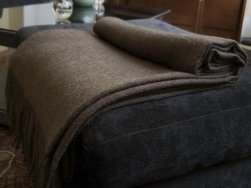 100% Baby Alpaca Blanket Choco. Made in Peru.