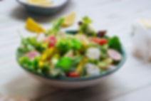 Salade verte fraîche avec feta