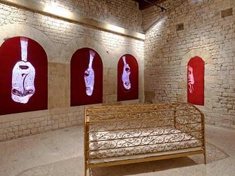 Maro Michalakakos'un Eserlerinde Bakış, Kimlik ve Kadınsılık