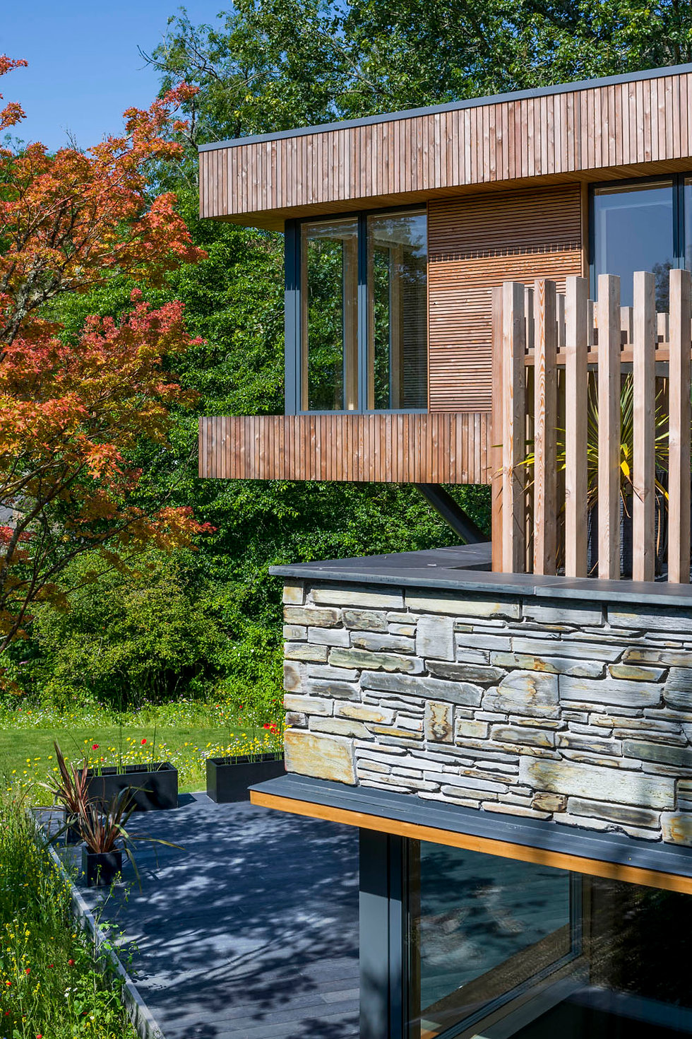 KAST Architects - Sylvania - Cantilever and terrace