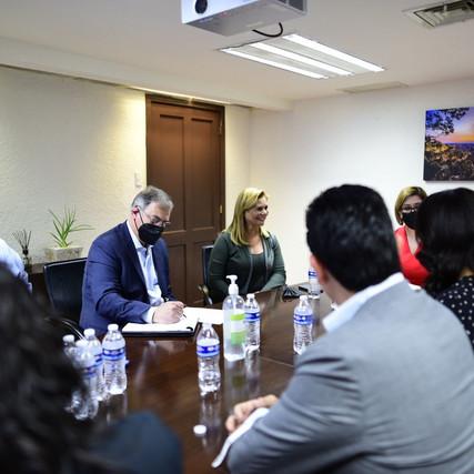 Arranca Maru Campos y su equipo proceso de transición; se reúne con la Secretaría de Función Pública
