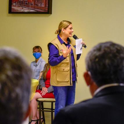 Lleva Maru Campos sus propuestas en materia de salud a Nuevo Casas Grandes