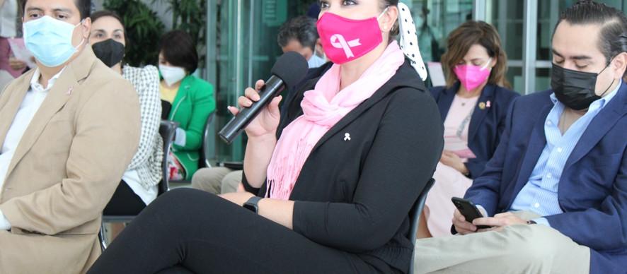 Presente la diputada Yesenia Reyes en el Conversatorio Juntas Contra el Cáncer de Mama