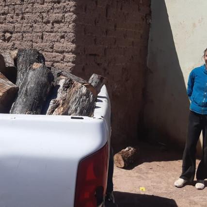 Ante la llegada de más frio, sigue la entrega de leña en Casas Grandes