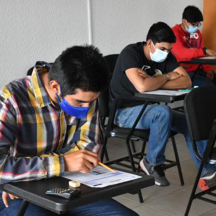 Realizan examen de ingreso en la Universidad Tecnológica de Paquimé