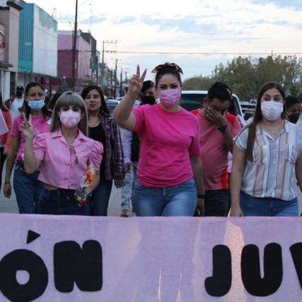 Asiste diputada Yesenia Reyes a caminata contra el cáncer de mama en Nuevo Casas Grandes