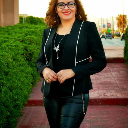 Reina Castro, escritora y poeta de NCG es nominada a premio internacional.